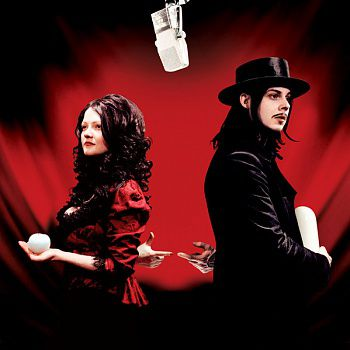 The White Stripes - Get Behind Me Satan (2LP)